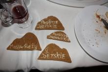 Hitem okazały się być ciastka przygotowane przez jedną z kursantek. Na jednej stronie nazwa regionu, na drugiej najwyższe wzniesienie :)